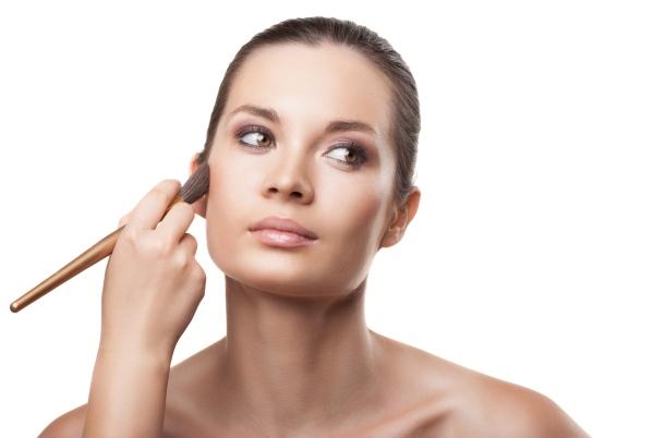 макияж для круглого лица с темными глазами